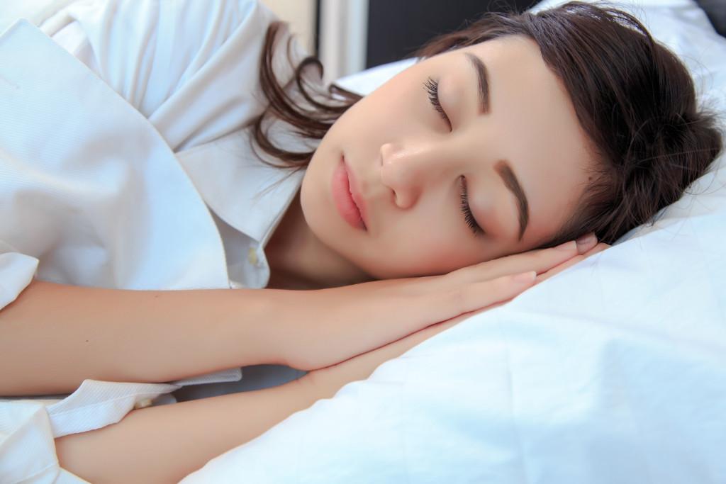 woman with complete sleep